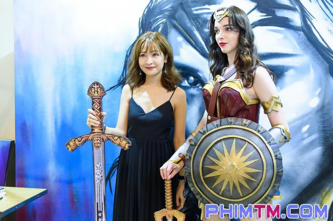 Á hậu Huyền My giản dị nhưng vẫn nổi bật tại buổi ra mắt Wonder Woman - Ảnh 5.