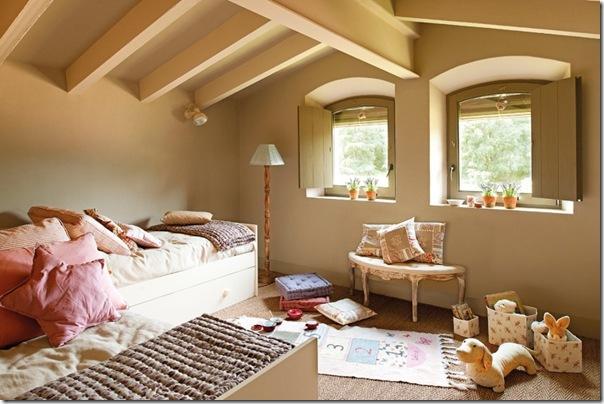 Rilassante casa in campagna da un ex fienile case e for Interni case classiche