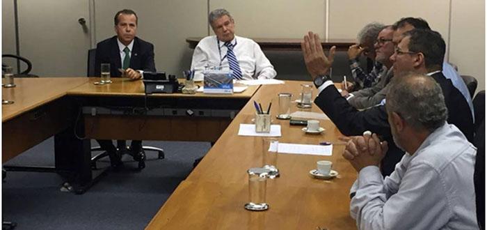 Prefeito Roberto Rocha se reúne com presidente da Sabesp e cobra melhorias para Vargem Grande Paulista