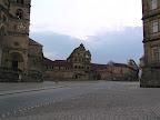 Στην πλακόστρωτη πλατεία Ντόμπλατς στο Bamberg