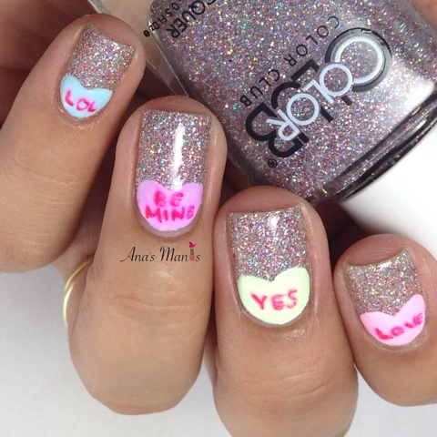 valentine-conversation-heart-nails