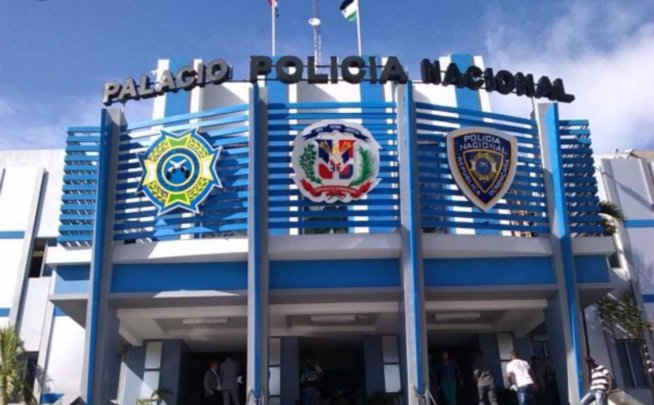 Policía Nacional toma medidas contra robo de retrovisores de vehículos; Comandante recuperación de vehículos patrulla personalmente