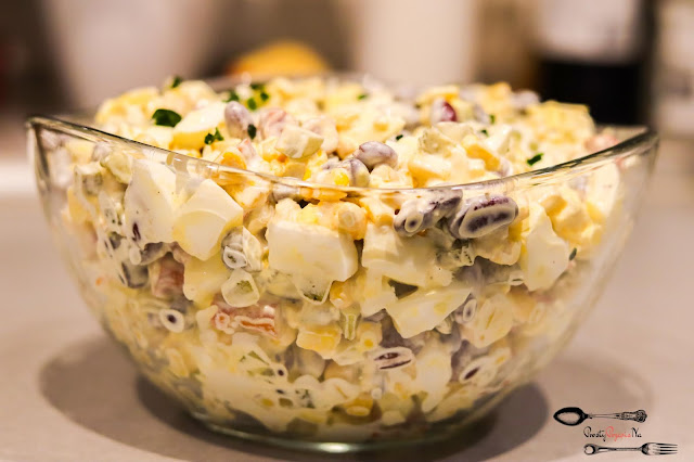 sałatki,sałatka z czerwoną fasolą,salatka z kukurydzą, sałatka z jajkiem, sałatka z kabanosem, sałatka z ogórkiem korniszonym, szybka sałatka