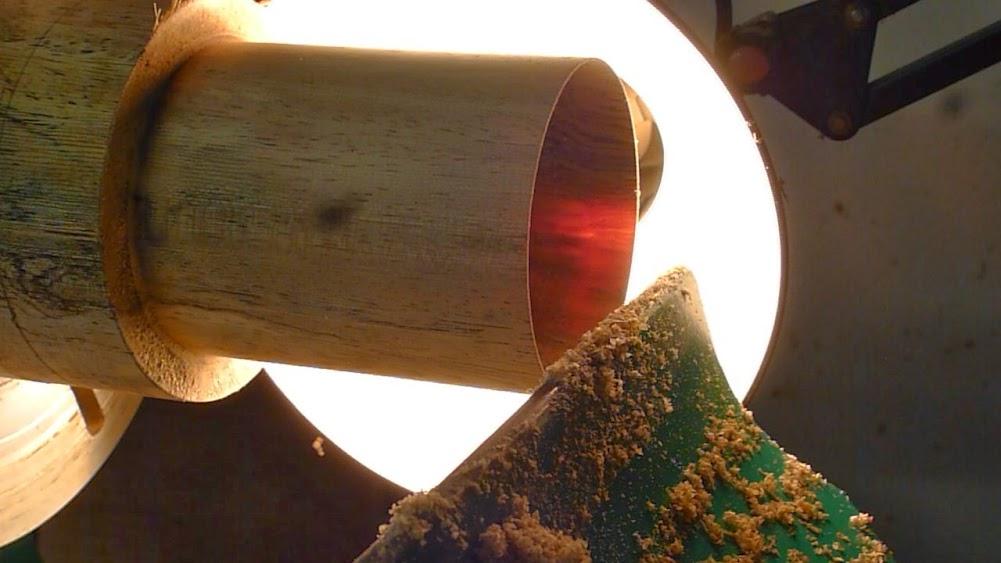 Un petit abat jour pour bougie... du bois translucide ! P1070024