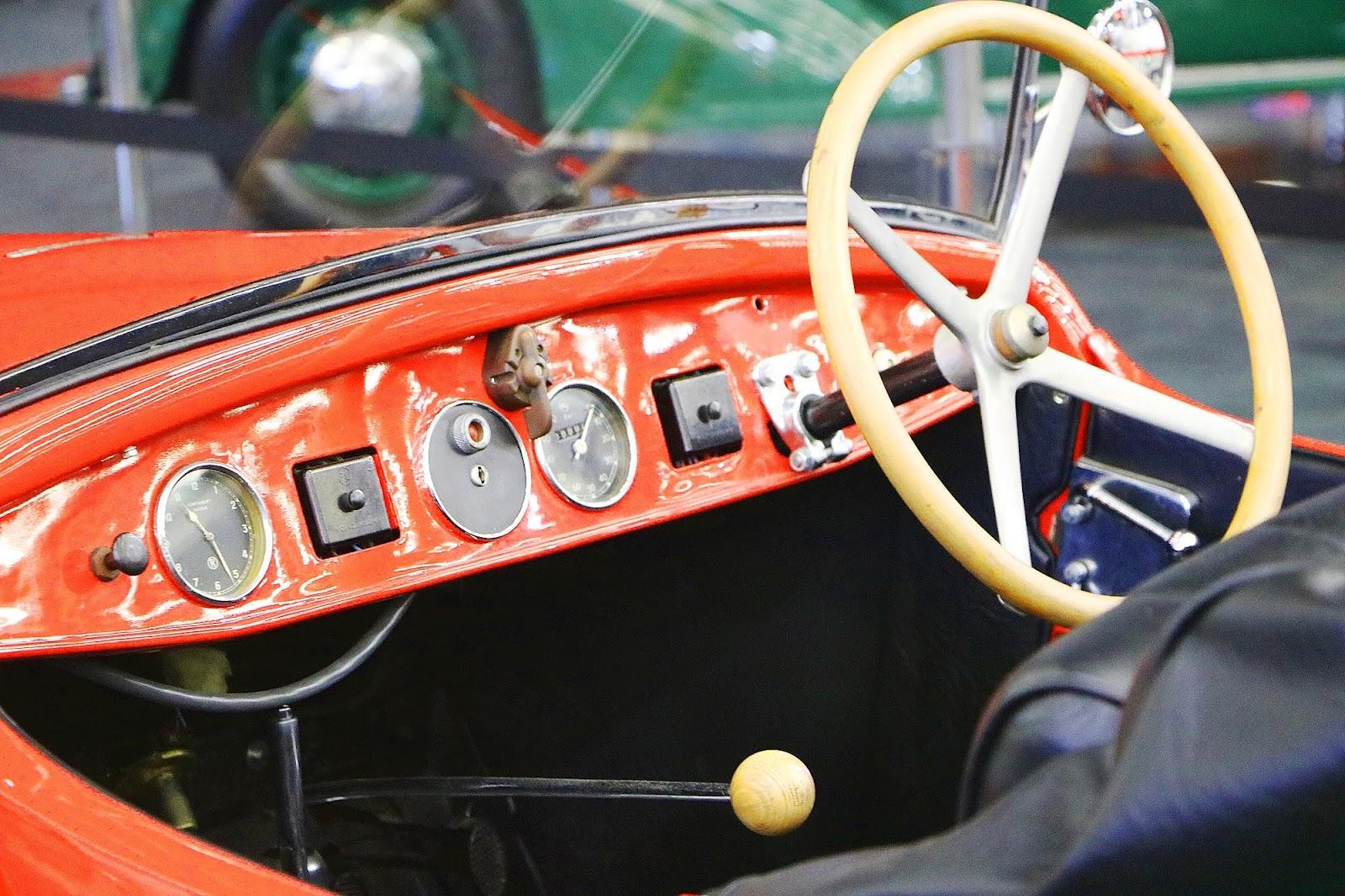 1933 Tatra 57 (03).jpg