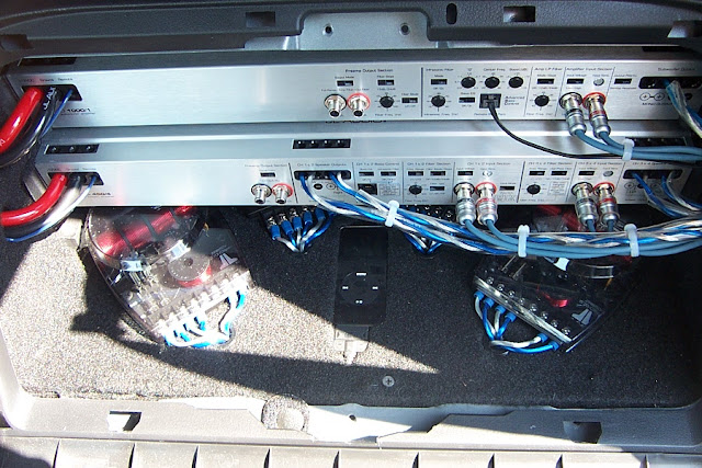 350z car audio install by nick stamper under the hood both the 4 gauge amp wires are fused and mounted on custom carpeted plate for some added style then plugged directly into the battery