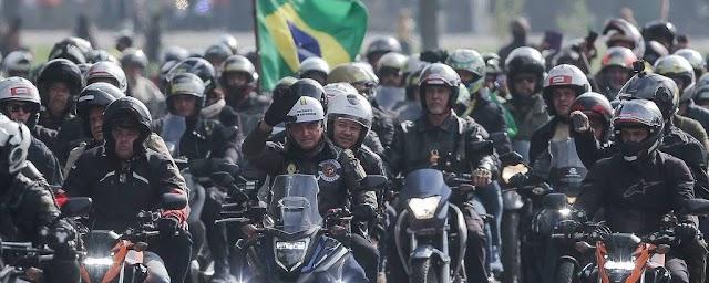 Quase 500 mil mortos acompanham Bolsonaro neste sábado dia 12