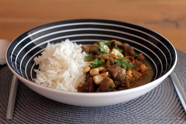 Lamm-Korma mit Cashewnüssen und Basmati-Reis