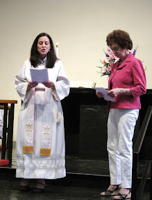 Rev. Ginger thanks Shirley for her service