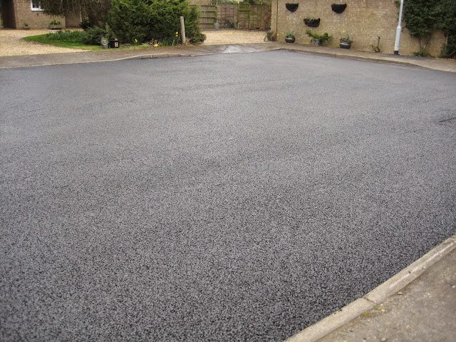 St Johns Close Resurfacing 23-03-2015. Pictures by Chris Cannon - IMG_1088.JPG