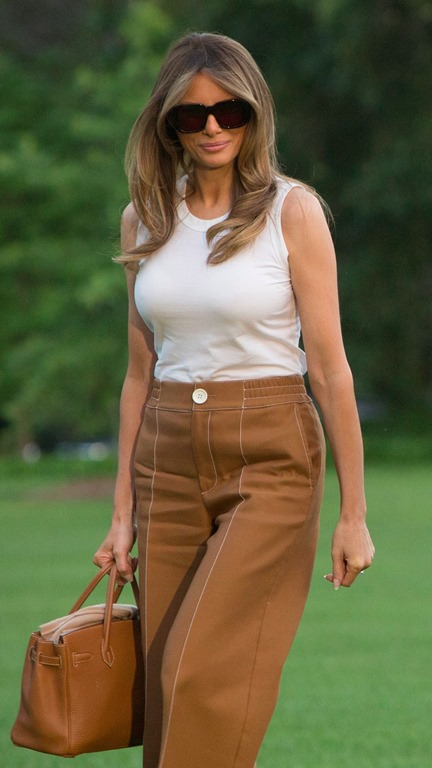 [Melania-Trump-Bally-Pants-White-House%5B4%5D]