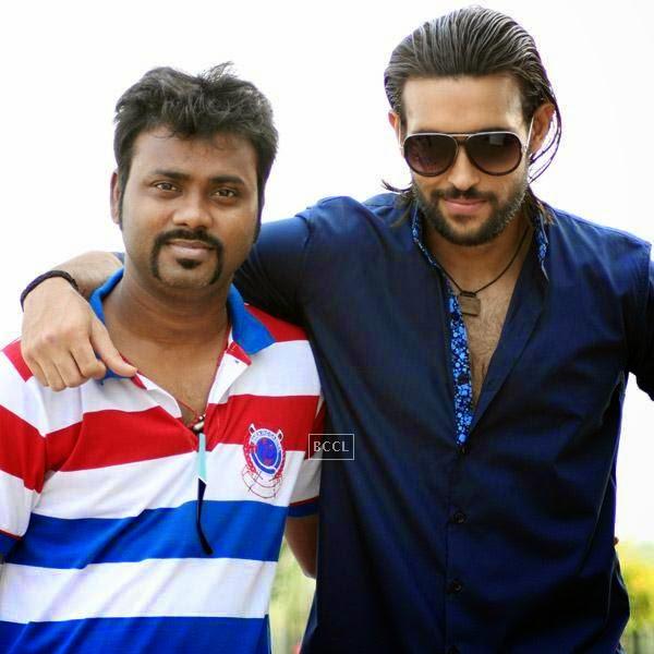 Writer Aaryaan Saxena and Akhil Kapoor on the sets of movie Desi Kattey.