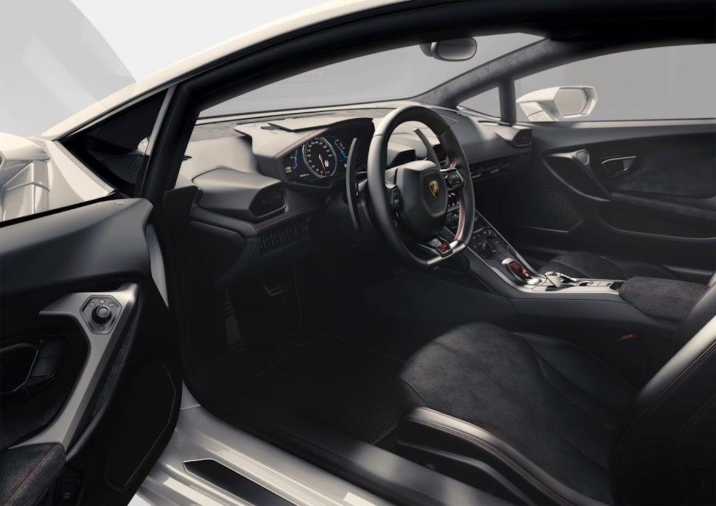 Lamborghini Huracan Interior 2