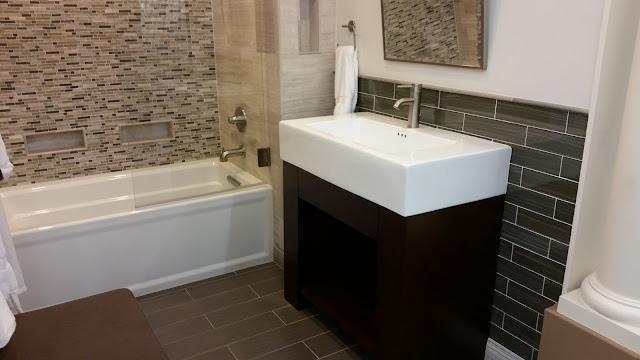 Bathrooms - 20151027_123645.jpg