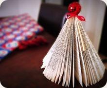 albero natale con pagine