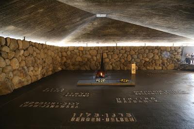 05/ YAD VASHEM, c'est le mémorial de la shoah, sur le mont Hertzel.