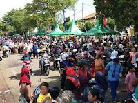 Puluhan Ribu Orang hadiri Pesta Rakyatdi Hari Jadi Kabupaten Rembang ke 275 Tahun 2016 yang dipusatkan di Alun-alun Rembang