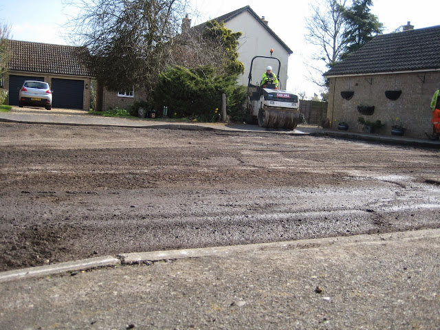 St Johns Close Resurfacing 23-03-2015. Pictures by Chris Cannon - IMG_1077.JPG