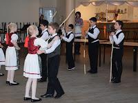 A Nagycétényi Alapiskola tanulói  (Fotó Mészáros Ferenc).jpg