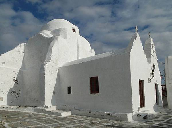 Paraportiani Church, Mykonos Island, Greece. The temple was built in 15-17 centuries. | TOP 10 Most Amazing Temples in the World | Big Picture | totallycoolpix | Totally Cool Pix
