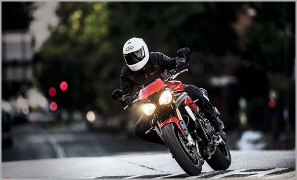 20160-triumph-speed-triple-s-and-r-motorcycles-unveiled-2
