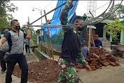 TNI-Polri Manunggal Gotong Royong Bangun Markas Koramil  0802/10 Slahung