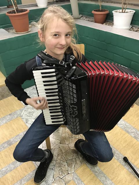 Ahtme Vanurite Hooldekodus Kevadkontsert / Bесенний концерт в доме престар - IMG_0973%255B1%255D.JPG