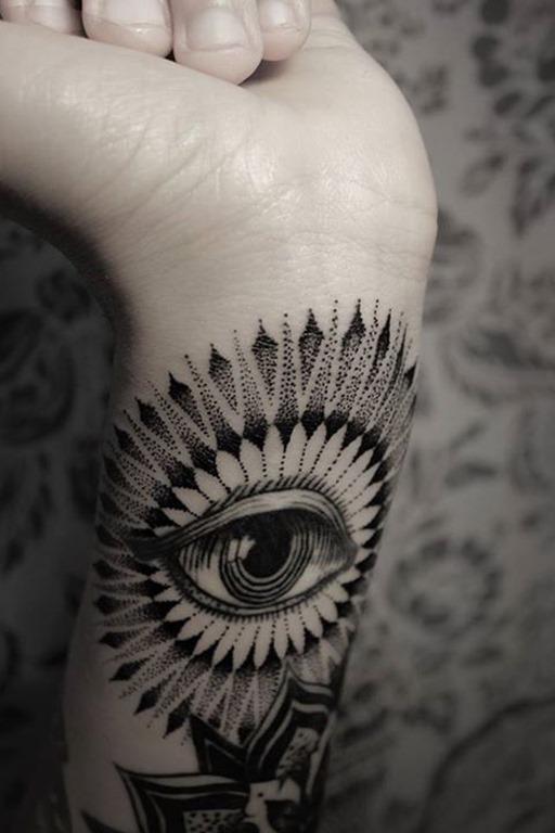dotwork_olho_pulso_de_tatuagem