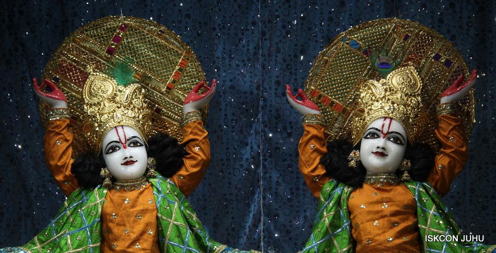 ISKCON Juhu Mangal Deity Darshan on 20th Jan 2017 (32)