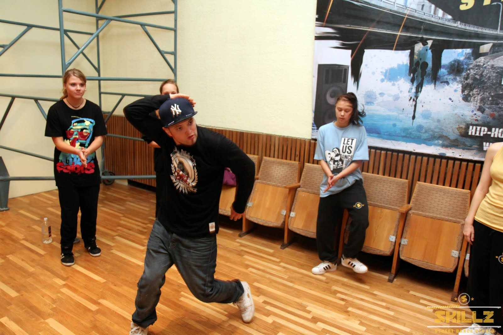 Hip- Hop workshop with Shaadow (UK) - IMG_1832.jpg