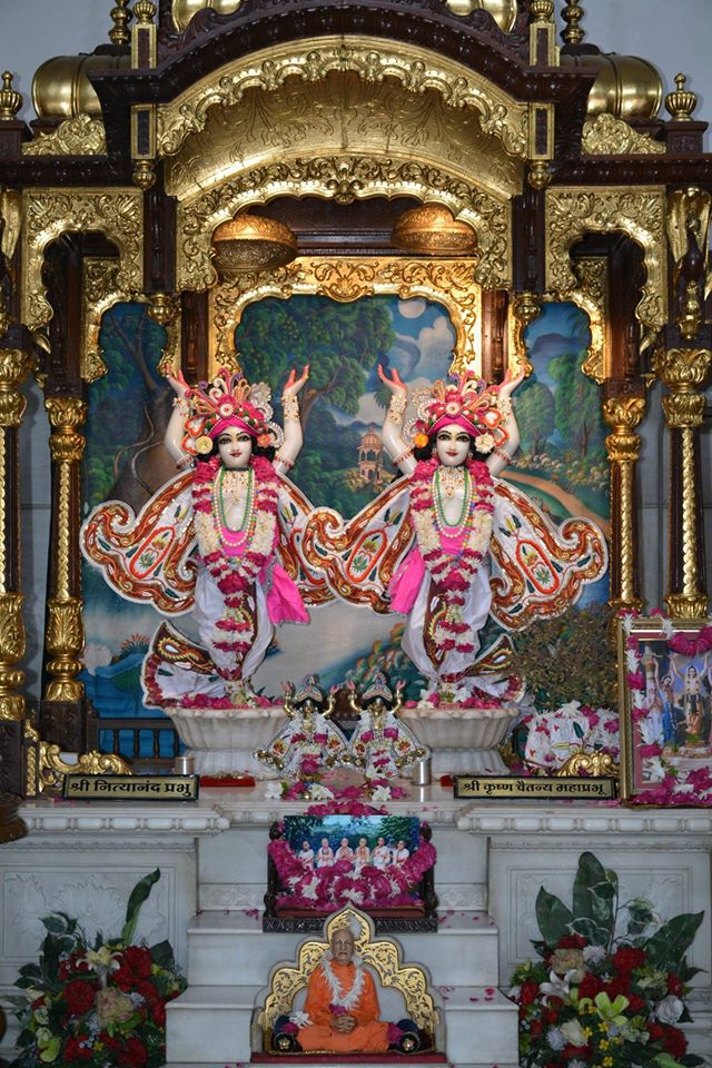 ISKCON Ujjain  Deity Darshan 22 July  2016 (6)