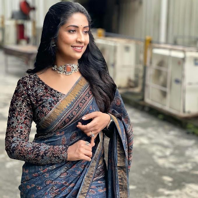 Malayalam Actress Navya Nair Latest Saree Stills