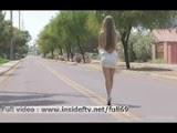 Vídeo Porno - Loira Gostosa Demais Peladona pelas Ruas