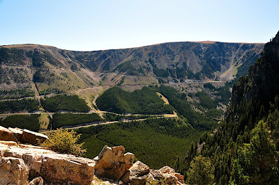 Beartooth Highway as seen from Hellroaring Road