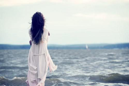 Thơ biển cô đơn