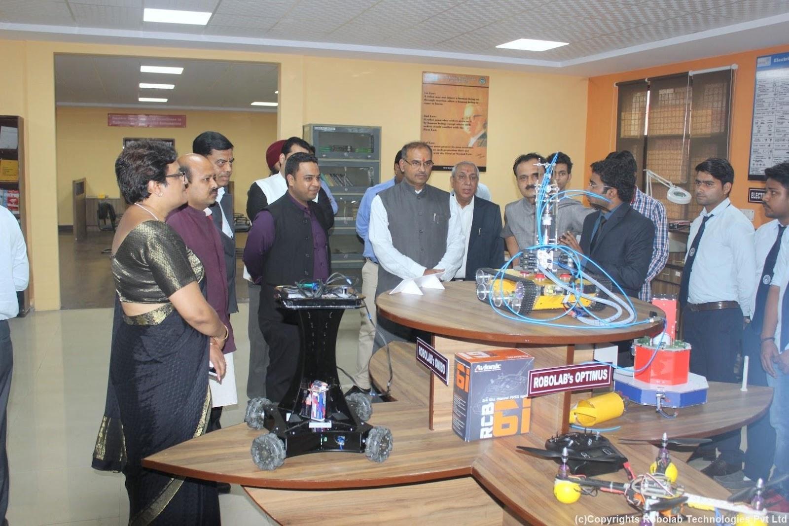 SunderDeep Group of Institutions, Ghaziabad Robolab (4).jpg