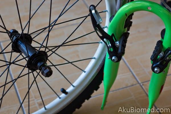 rim basikal yang sudah ditanggalkan