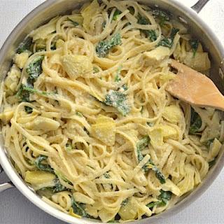 20 Minute Creamy Spinach Artichoke Pasta.