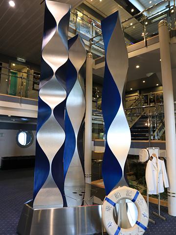 新日本海フェリー「らいらっく」 3階 エントランス