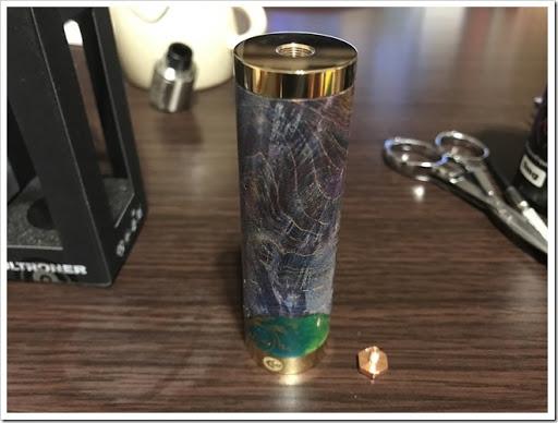 IMG 4233 thumb - 【スタビチューブ】ULTRONER Raiders Mod(ウルトロナーライダーズモッド)レビュー!ハイブリッド接続かつレジンスタビないかつい24mmメカMOD。価格を抑え、国内でも販売が開始されるなど注目の製品をチェック!