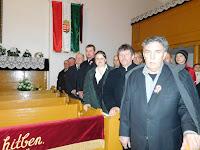 24 Az adományozó szervezet, a Rákóczi Szövetség képviselői és a presbitérium tagjai.JPG