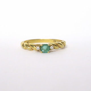 18K Gold Diamond & Green Stone Ring