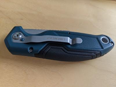 Bosch Professional Universal Klappmesser, Rückseite mit Gürtelclip