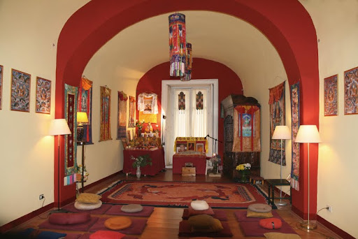 Centro Muni Gyana's new gompa, Palermo, Italy, May 2012. Photo by Roberto Vitrano.