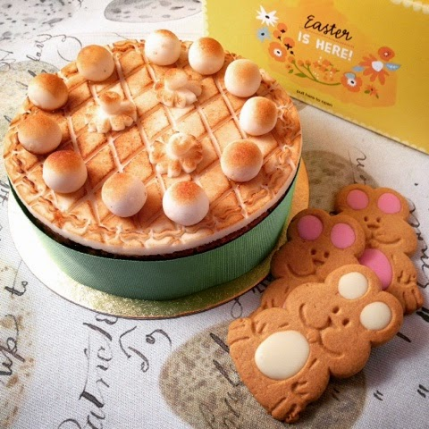 Foodie Quine -  Easter Foodie Treats - Simnel Cake & Bunny Biscuits