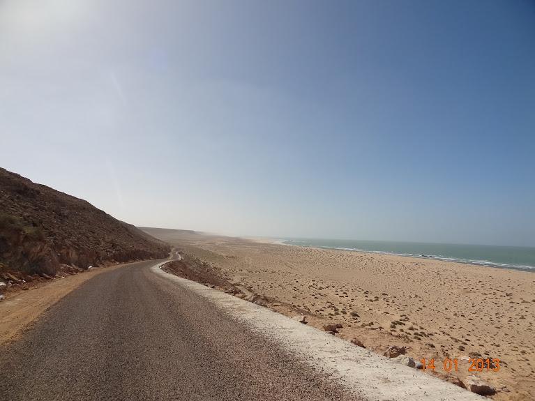 Marrocos e Mauritãnia a Queimar Pneu e Gasolina - Página 5 DSC05822