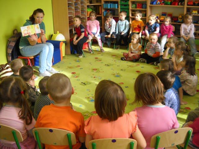 Czytanie w przedszkolu - DSCN1098.jpg