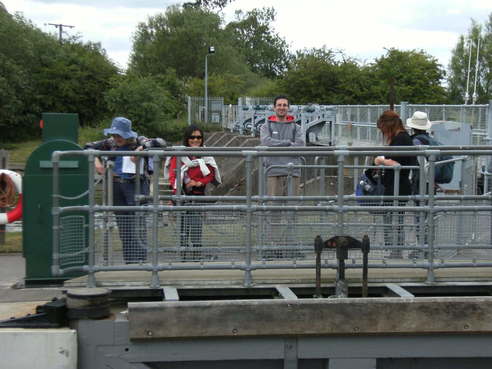 1006190008 A short delay at Day's Lock