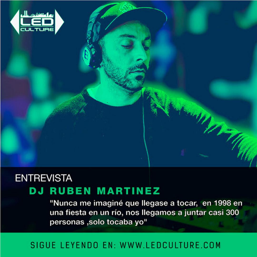 """Entrevista al DJ Ruben Martinez con 18  años de experiencia musical @rubenmartinezoficial """"Nunca me imaginé que llegase a tocar, mi historia inicio en 1998 en una fiesta en un río,nos llegamos a juntar casi 300 personas,solo tocaba yo, allí comenzó mi éxito"""""""