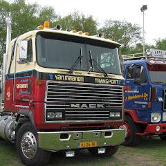 Ederveen 5 mei 2010 - mack mh612 1990.jpg